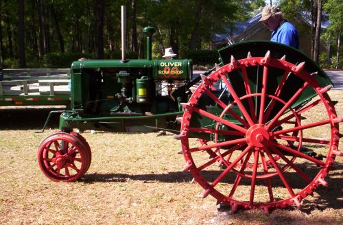 Oliver Tractor on Antique Hand Crank Tractor Engine For